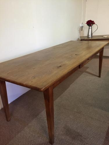 Beautiful antique elm dining table antique dining table for Table th html