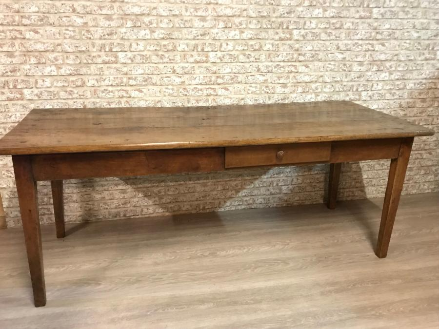 Beautiful antique late 19th Century cherry table