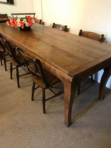 Stunning oak extending table