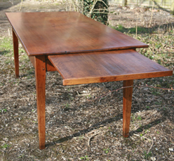 Extending Antique Dining Tables Offer Versatile Seating