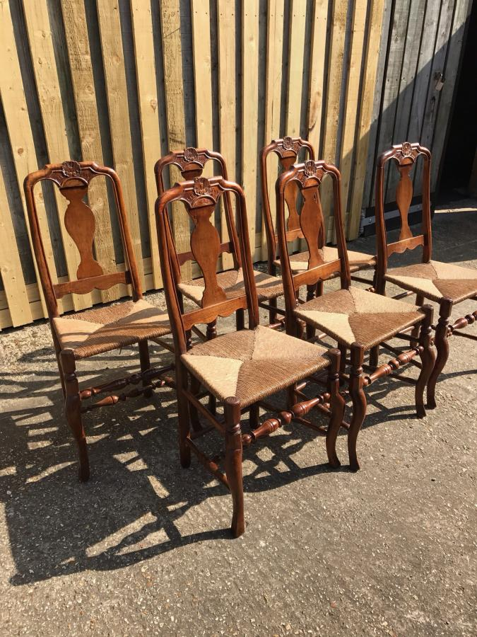 A set of 6 Dutch hoof 18th century chairs