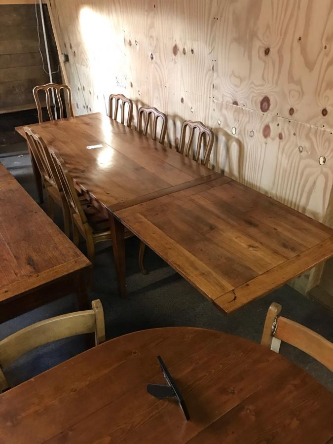 Antique cherry single Extending table