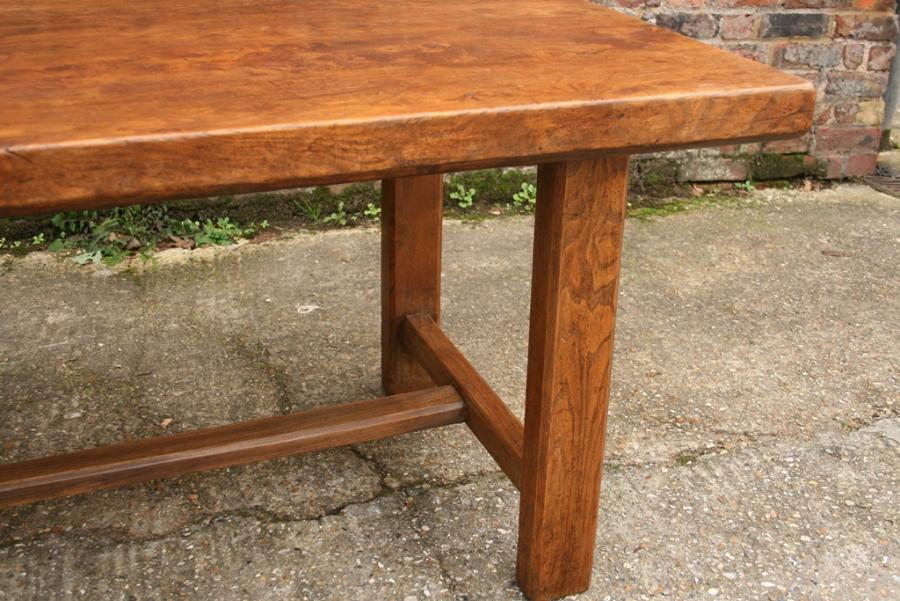 Elm Normandy end stretcher table
