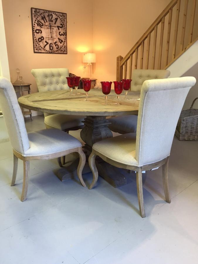 Rustic pine round 5ft table on centre pedestal