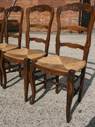 Set of 6 Oak French ladderback chairs